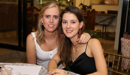 Ingrid Velasco y Regina Mendizábal.