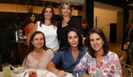 Sabrina Gaviño, Elsy Guerra, Pina Sánchez, Sandra Correa y Mónica Ayala.