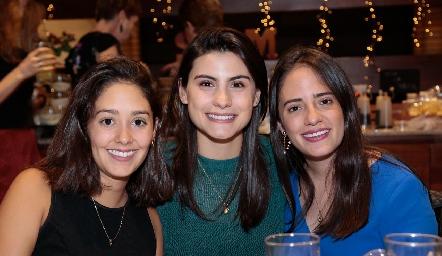 Paola Díaz Lavín, Teresita Cadena y Ale Ascanio.