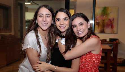 Diana Olvera, Sofía Álvarez y Ana Sofía Rodríguez.