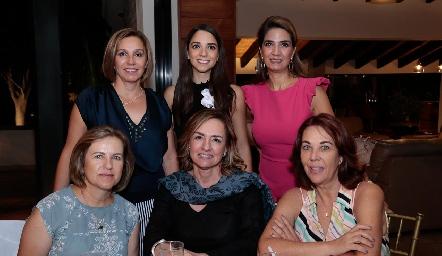 Bety Lavín, Sofía Álvarez, Lourdes Velázquez de Álvarez, Marlú Mendizábal, Brenda Álvarez y Lourdes Alcalde.