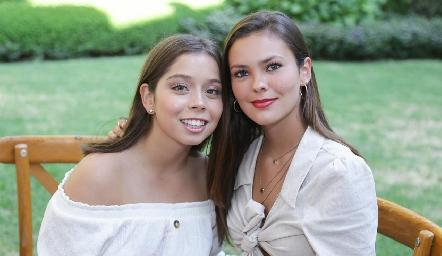 Natalia Gaviño y Renata Acevedo.