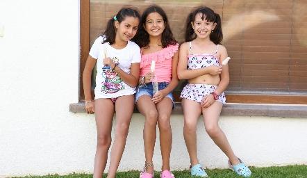 Valentina, Lore y Ana.