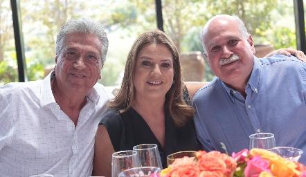 Héctor Sarmiento, Diana Sarmiento y Óscar Pérez.