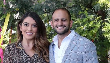 Cynthia Clemente y Juan Esteban.