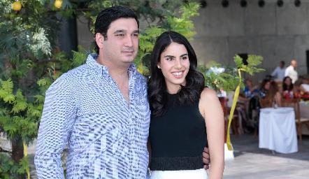 Alejandro Charur y Larissa Nader.