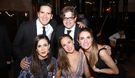 Miguel Echegoyan, Jorge Lozano, Daniela Lozano, María Paula Hernández y Paulet Lozano.