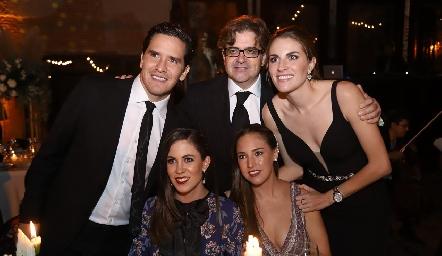 Miguel Echegoyan, Jorge Lozano, Paulet Lozano, Daniela Lozano y María Paula Hernández Lozano.