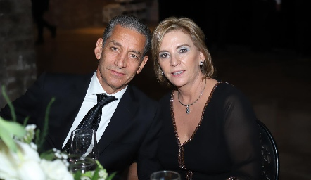 Ricardo Torres y Rosy Mercado.