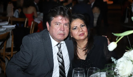 Javier y Cristy Meza.
