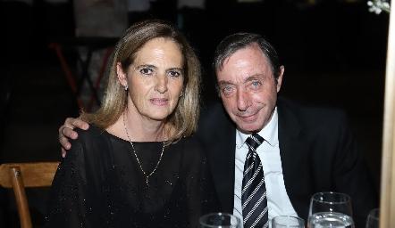 Ivonne Casarín y Ángel Candia.