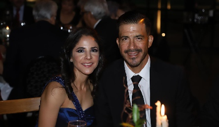 Elizabeth Villalobos y Luis Rodarte.