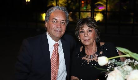 Carlos y Tatina Torres.