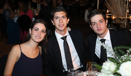 Natalia Guerra, Nacho Araiza y Alejandro Torres.