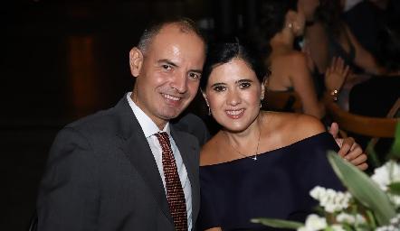 Héctor Navarro y Martha Aldrett.