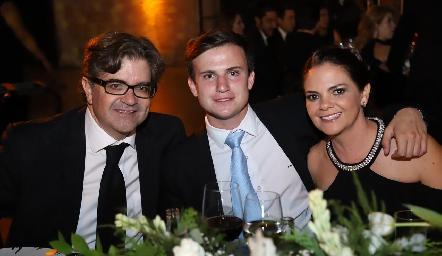 Jorge Lozano, Santiago Corripio Lozano y Montse Lozano.
