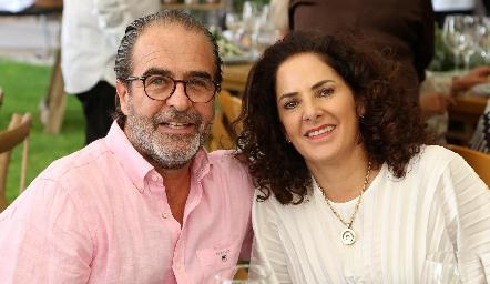 Jorge González y Alejandra Meade.