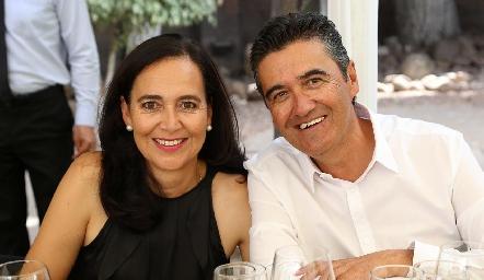 María Guadalupe Zacarías y Gilberto Galván.