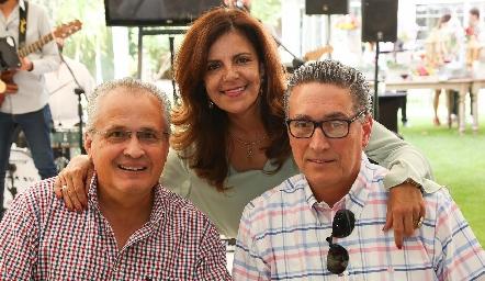 Carlos Brueggeroff, Patricia Silos y Salvador de la Maza.