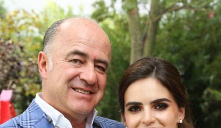 Rafael y Adriana Olmos.