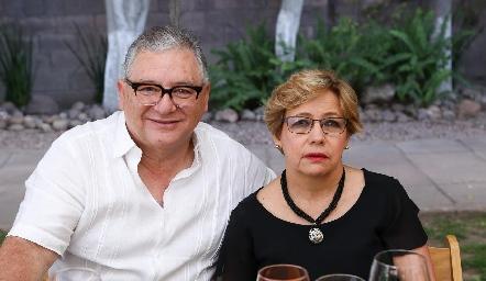José y Lala Carrera.