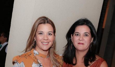 Las festejadas, Lety y Cynthia Sánchez Plascencia.