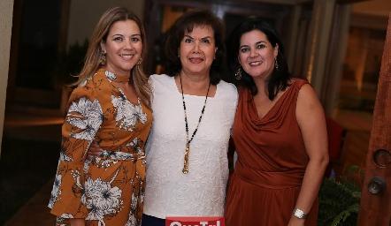 Lety, María Eugenia y Cynthia Sánchez.