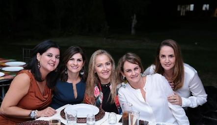 Cynthia Sánchez, Lucía Escobedo, Claudia del Pozo, Rocío Gómez y Montse Fonte.