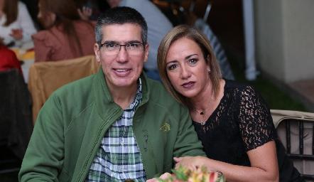 Mauricio Alcalde y Karina Ramos.