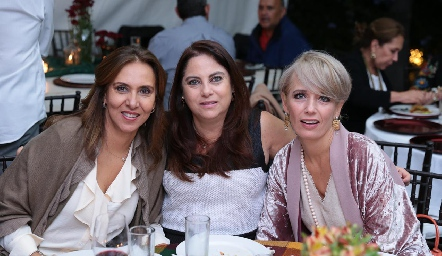 Mercedes Castro, Alba Altamirano y Verónica Dávalos.