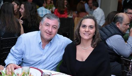 Rodrigo Villasana y Claudette Mahbub.