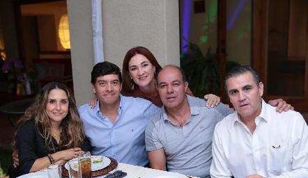 Martha Chalita, Javier Dávila, Ana Anaya, Enrique Quintero y Eduardo Gómez.