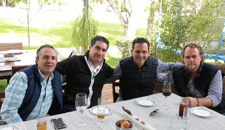 Gerardo Valle, Amadeo Calzada, Carlos Rangel y José González.