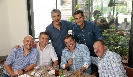 Roberto García, Carlos de Alba, Sergio Godínez, Daniel De Luna, Jaime Fonte y Ramón Muñoz.