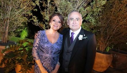 Los papás de la novia, Beatriz Rojas de Zepeda y Roberto Zepeda.