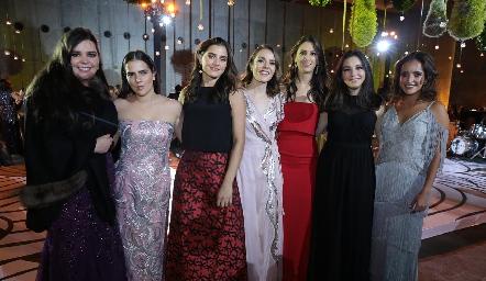 Nilda Esper, Andrea Lozano, Eugenia Musa, Tere Ledezma, Cata Abud, Yusa de la Rosa e Isa Torres.