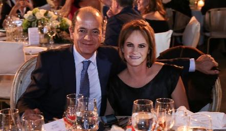 Elías Abud y Rocío Gómez de Abud.