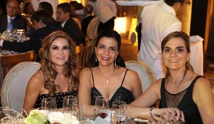 Margarita Sarquis, Mely Mahbub y Claudette Mahbub.
