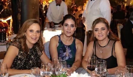 Patricia Fernández, Maribel Lozano y Adriana Olmos.