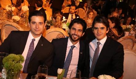 Mauricio Rodríguez, José Luis y Juan Pablo Leiva.