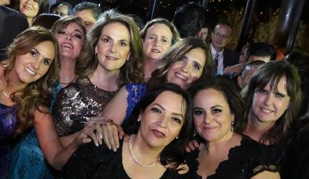 Dulce María Herrera, Jenny Cázares, Leticia Hernández, Sofía Martín, Alejandra Martínez, Lucía Betancourt, Rebeca Flores y Martha Zwiegger.