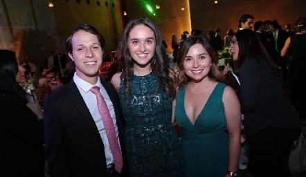 Jorge Del Valle, María y Margot Uría.
