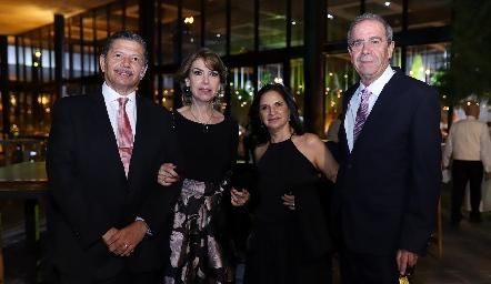 Octavio Pedroza y Gabriela Nales, Charo y Juan Ortuño.