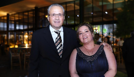 Calos Brueggeroff y Mónica Berlanga.