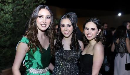 Sofía, Alejandra y Renata Revilla.