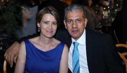 Marisa Valle de Madrigal y José Antonio Madrigal.