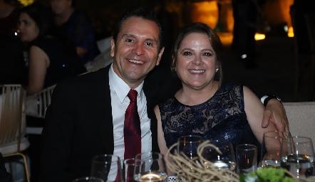 Juan Cardona y Elizabeth Hernández.