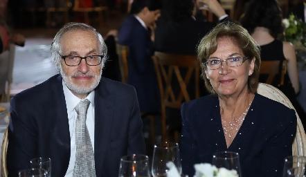 Alfonso Lastras y Lupita Montaño.
