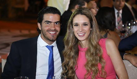 Ricardo Gómez y María Stevens.