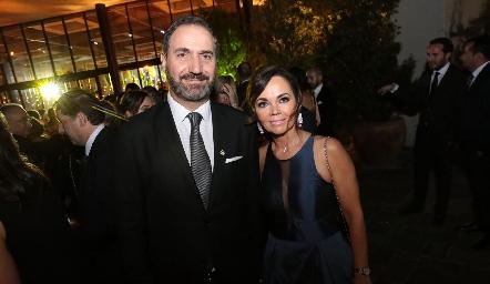Luis Mabub y Elsa Tamez de Mahbub.
